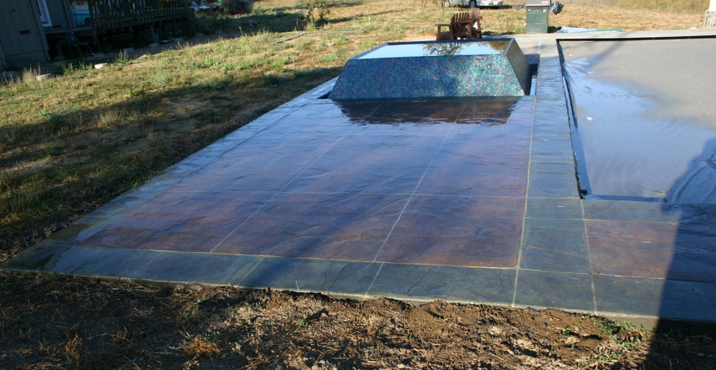 green coping, glass tile spa